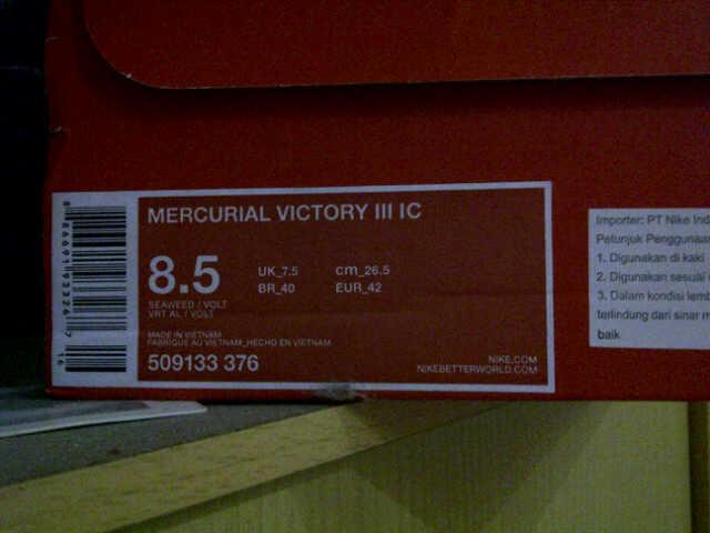 nike mercurial victory III IC