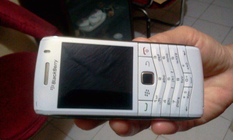 jual blackberry pearl 9105 3G white