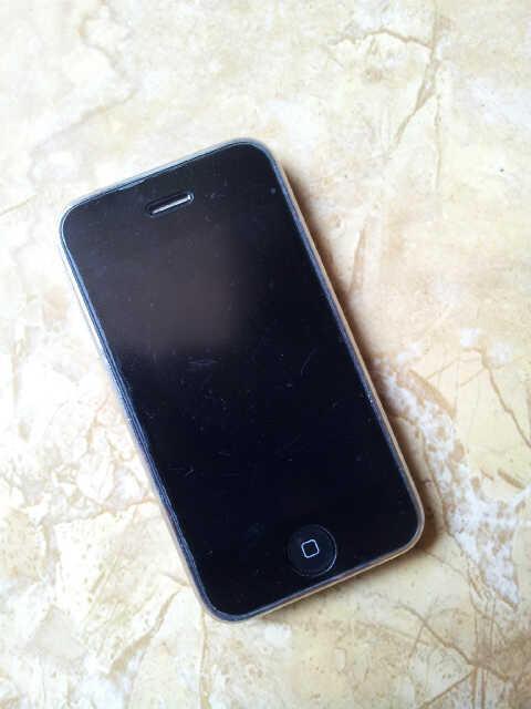 Iphone 3GS 16GB Black Jogja