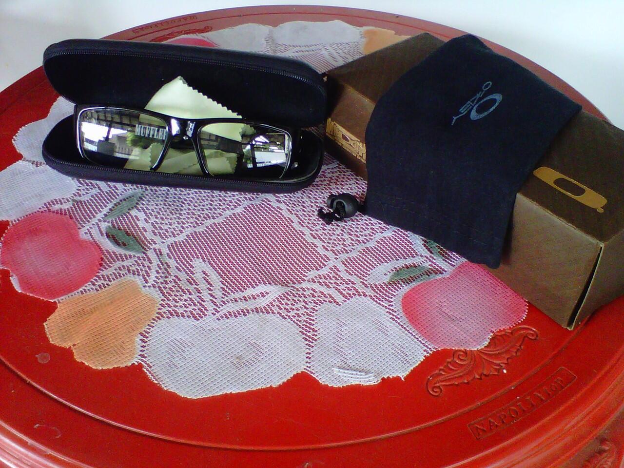 Terjual Jual Kacamata Oakley Muffler  56739942a9