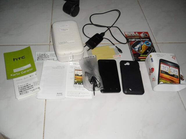 HTC DESIRE VC MINT CONDITION, MASIH GARANSI CEK AJA GAMBARNYA GAN ^^