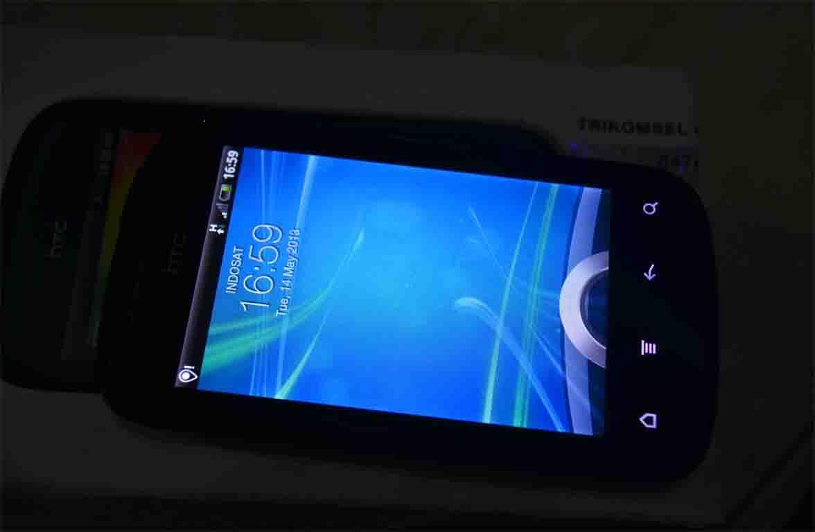 HTC Explorer Mulus dan Masih Bergaransi.
