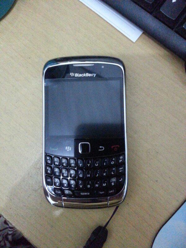 jual blackberry 9300 second kondisi 80%