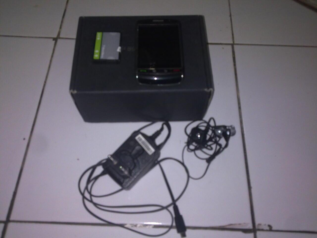 WTS BLACKBERRY BB STORM 1 GSM CDMA 9530