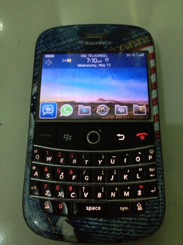 WTS : blackberry BOLD 9000