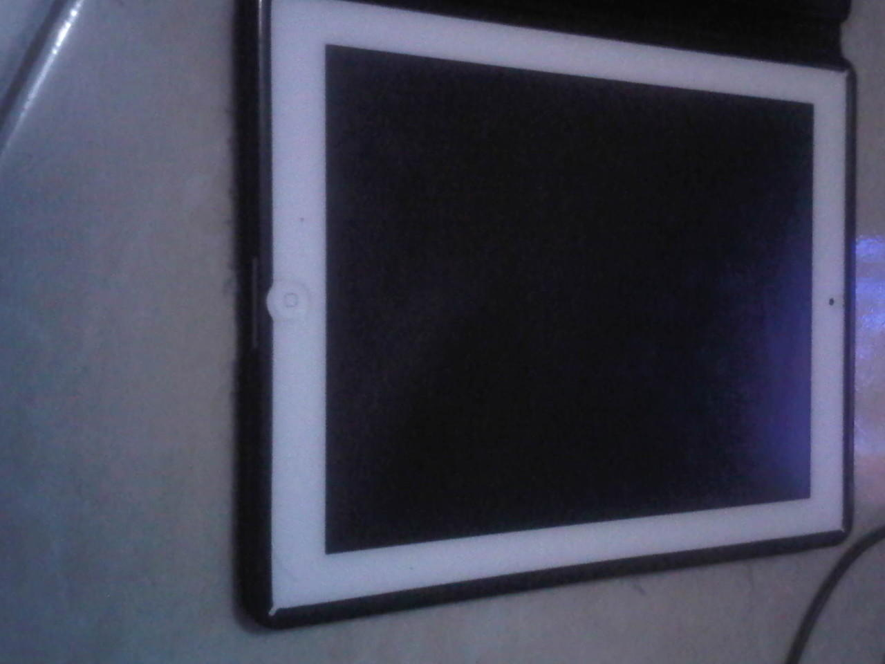 di jual ipad 3 32gb white 4g + wifi batangan