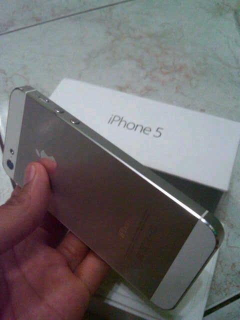 Iphone 5 iphone 5 white 16gb mulus masih garansi murah jogja cod jogja rekber oke