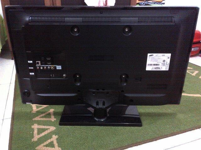 [WTS] Samsung LED SmartTV 32 inch UA32ES5600R