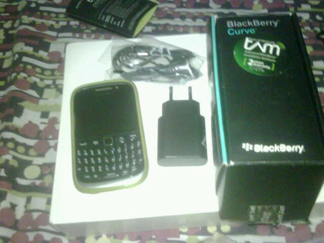 Blackberry Amstrong Garansi TAM 20 Bln Asesoris Komplit