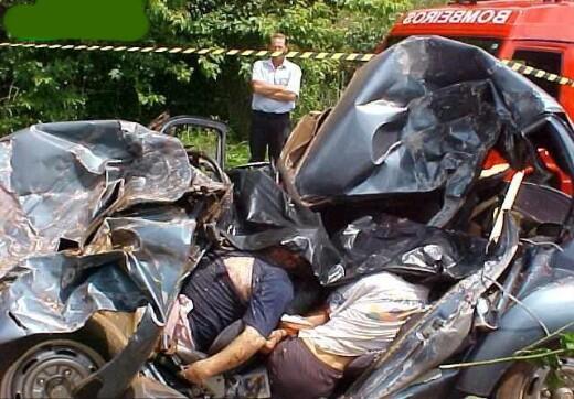 Family destroyed in VW beetle crash