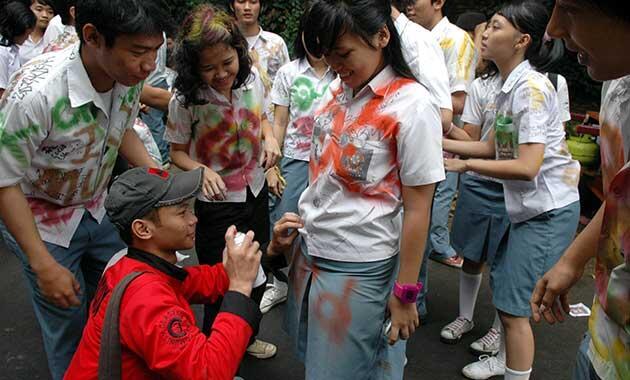 100 Gambar Yang Bagus Untuk Baju Kelulusan Paling Bagus