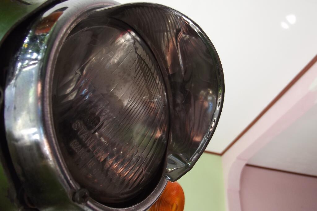 Tudung atau topi lampu Honda C70