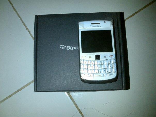 Di Jual Blackberry Onyx1 9700 SOLO
