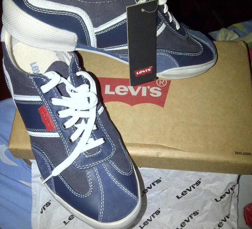 Terjual Levi s Shoes   Sepatu Levis (Original)  dd94641ee4
