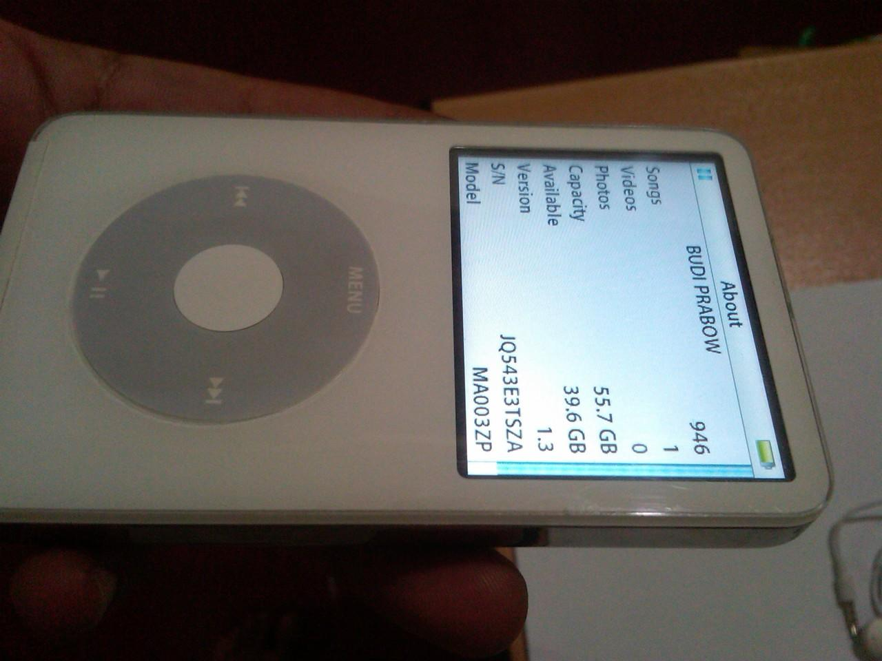 Ipod classic 5th gen 60gb putih mulus