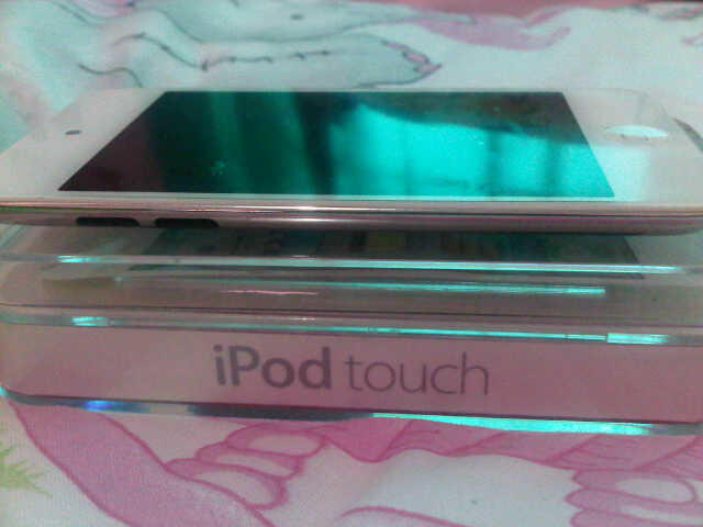 [ WTS ] Ipod Touch 4th generation 8 GB [ 2nd ]