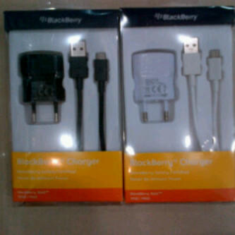 Batre,charger,accesories BB Blackberry original 100% RIM harga mahasiwa! [SMG]