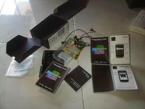 Blackberry Torch1 9800 white fullset Maknyus MALANG