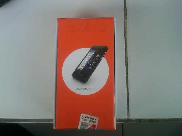 New Blackberry Z10 dan Q10 Garansi Distributor 2 Tahun Full Segel Full Original