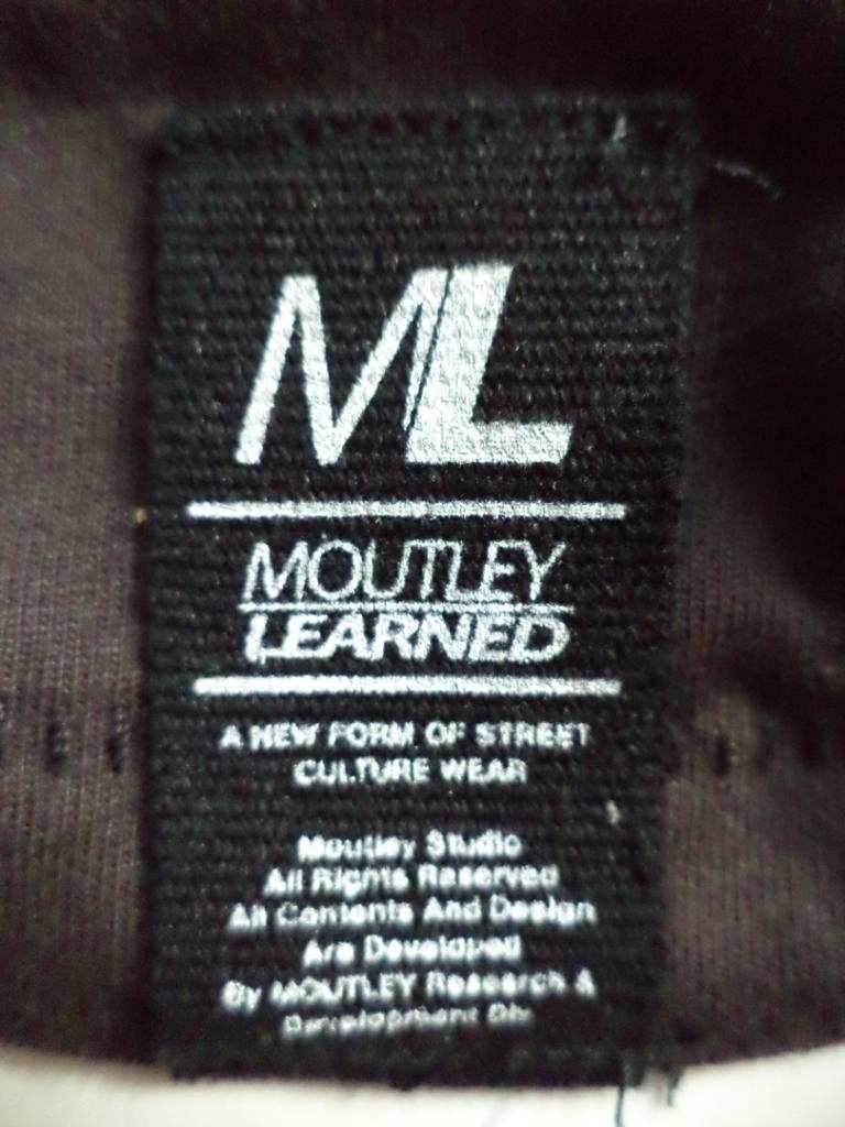Kaos Moutley Learned (medium) Ori!!!