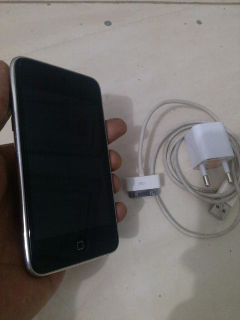 Ipod touch 2th 8gb batangan (nego wajar)