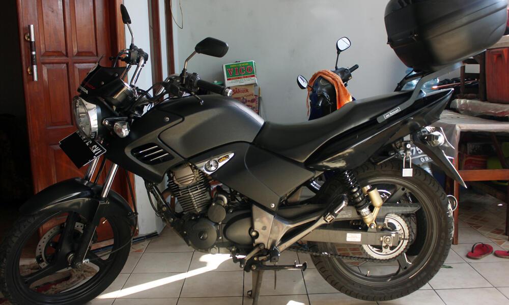Tiger Revo 2011 Mulus