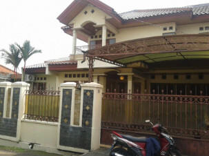 (WTS) Rumah dengan 8 kamar di daerah Pesangrahan (Ciledug)