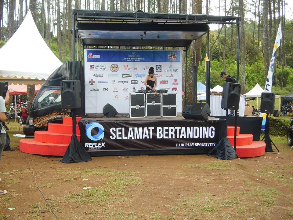 Terjual Disewakan Mobile Stage area Jawa Barat sound light