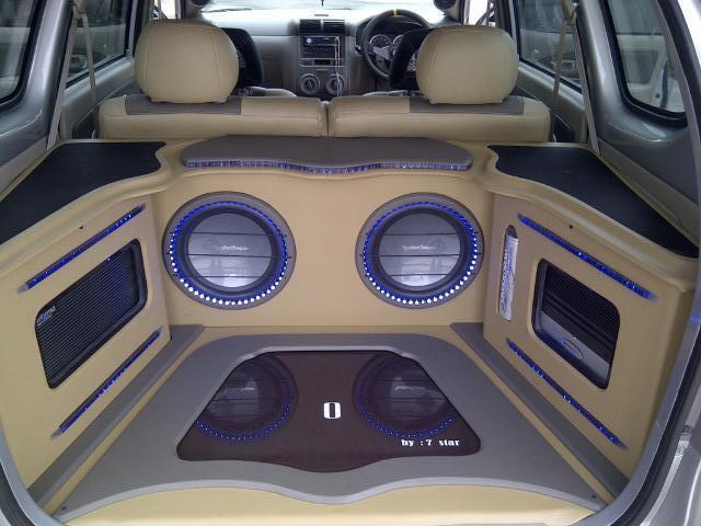 Over Daihatsu Xenia Xi Deluxe Plus 2011 silver,sisa 14 bulan lagi gan.