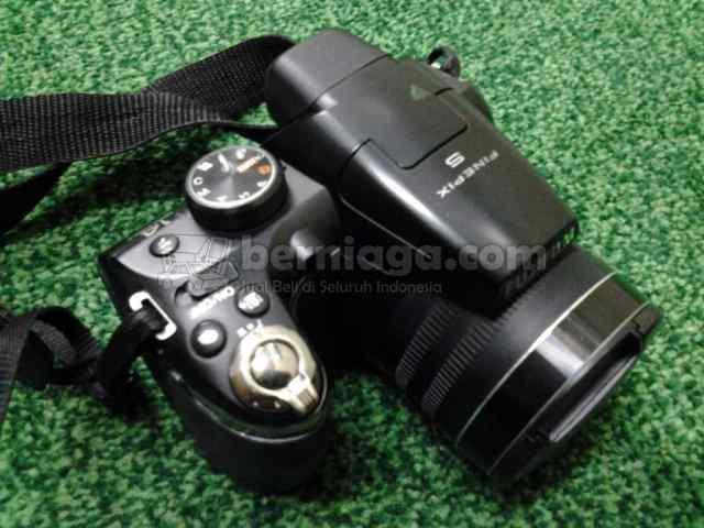Kamera Prosumer Fujifilm Finepix s4300