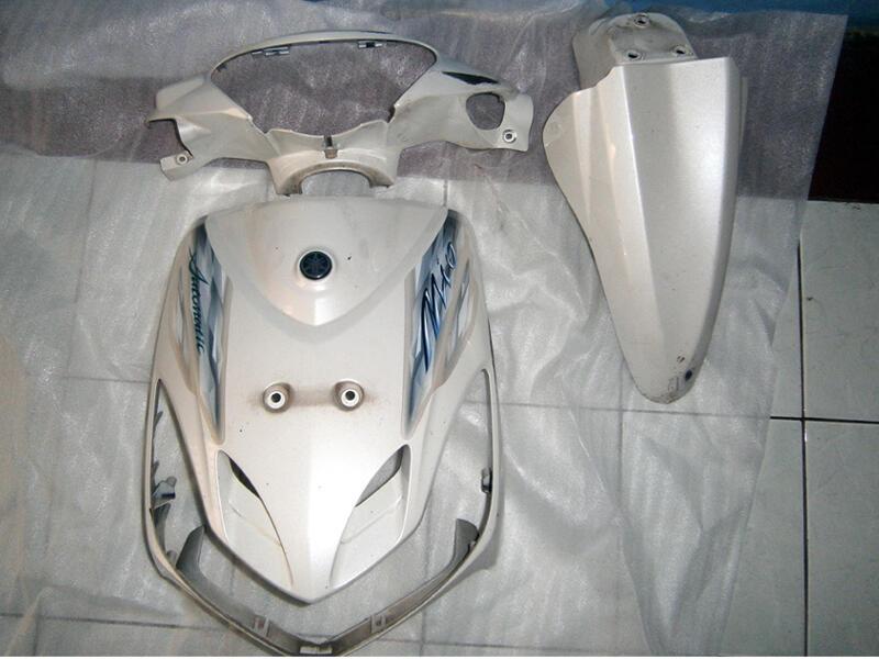 Body Depan, Batok Kepala, Spakbor depan Mio Putih