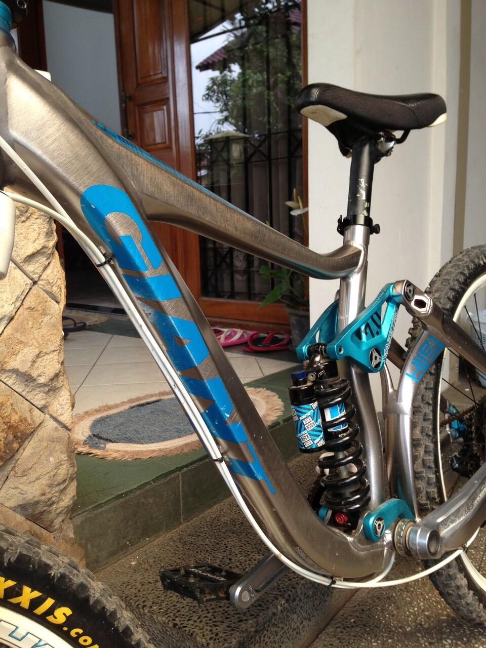 JUAL sepeda Giant Faith 'O MTB / DownHill