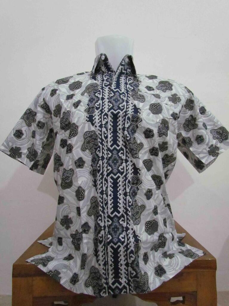 Terjual Baju Batik Pria Corak Hitam 8c46b85576