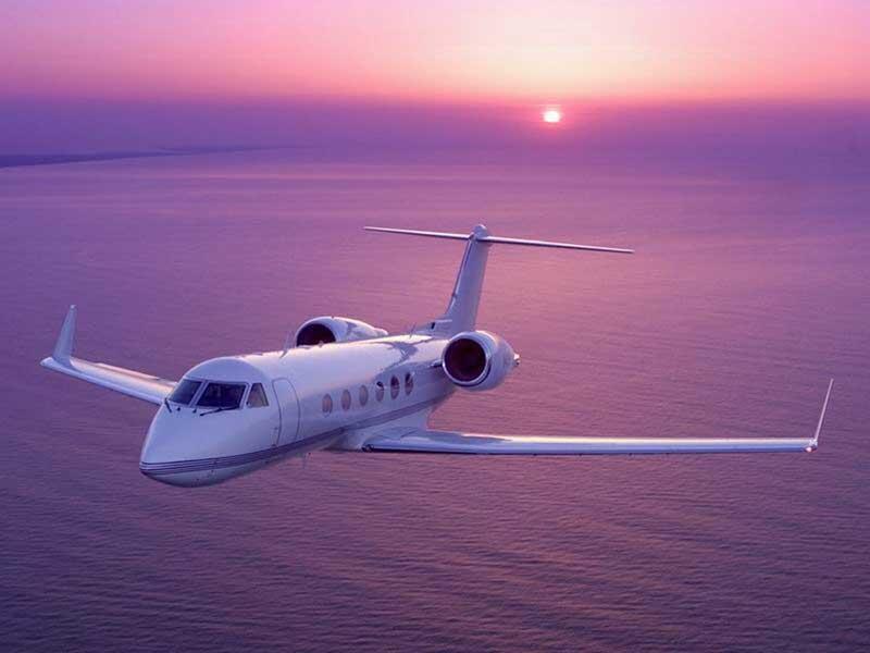 Lebih intim dengan Pesawat Jet Pribadi (Private Jet Plane)