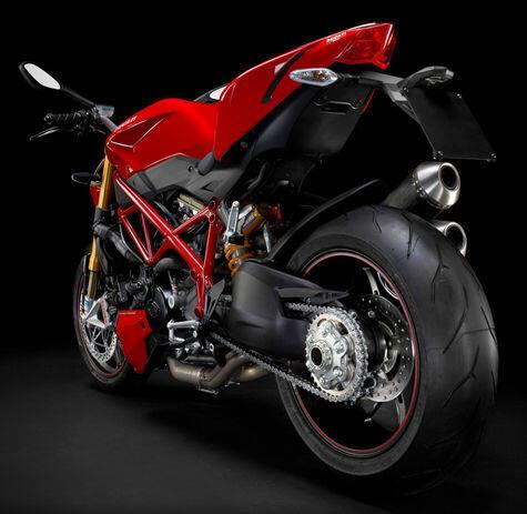 Inilah 8 Sport Naked Bike 800cc Tersangar