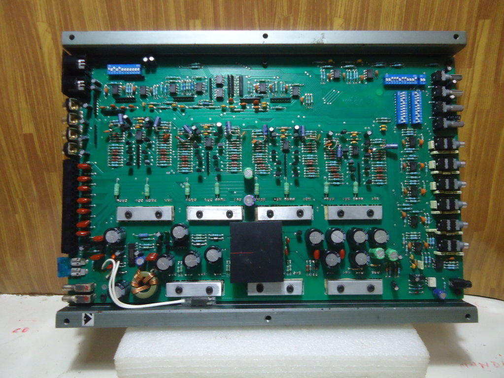 AMPLIFIER HEIG END a/d/s 830X MADE IN USA (malang)