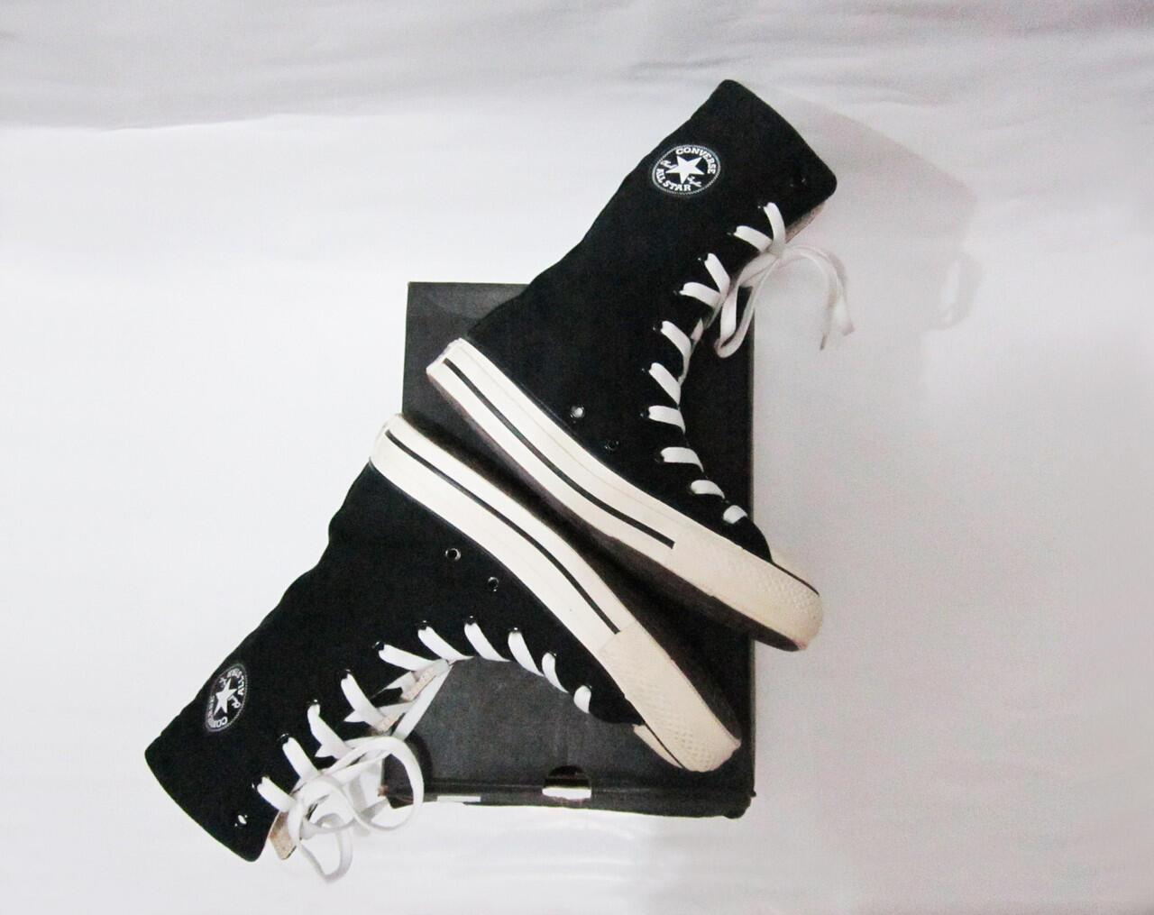 Terjual Sepatu boots Converse ASLI BUKAN KW  840dd11343