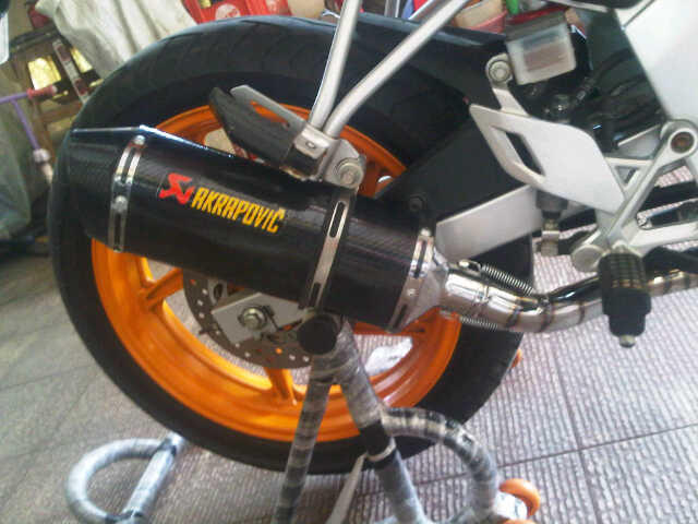 Akrapovic full system for NEW CBR 150R