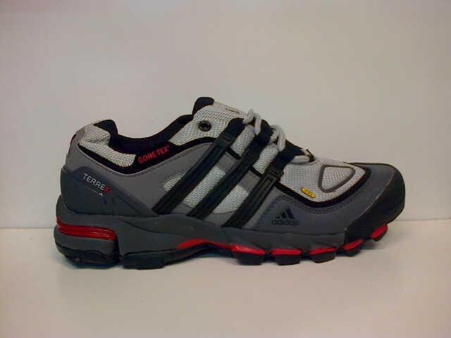 Terjual Sepatu Adidas Goretex low Adidas Dragon Adidas adizero  135138e734
