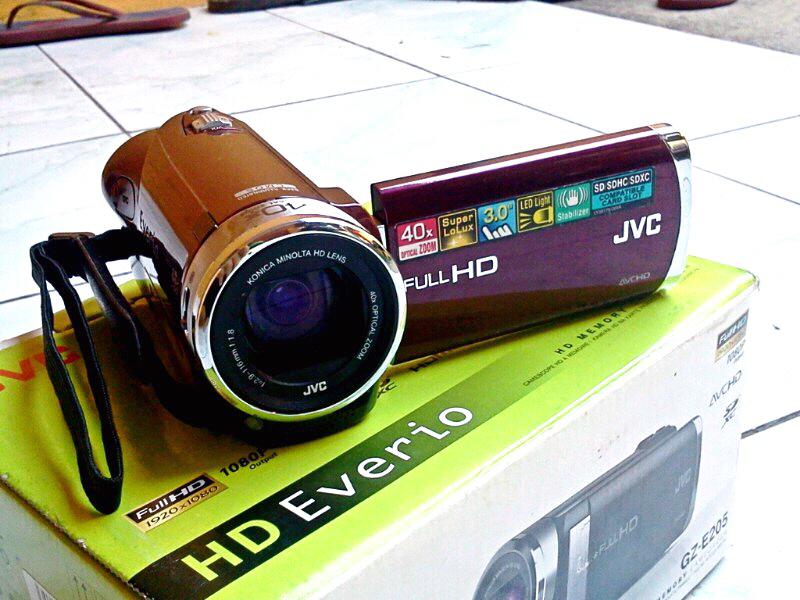 WTS HANDYCAM JVC EVERIO GZ E205