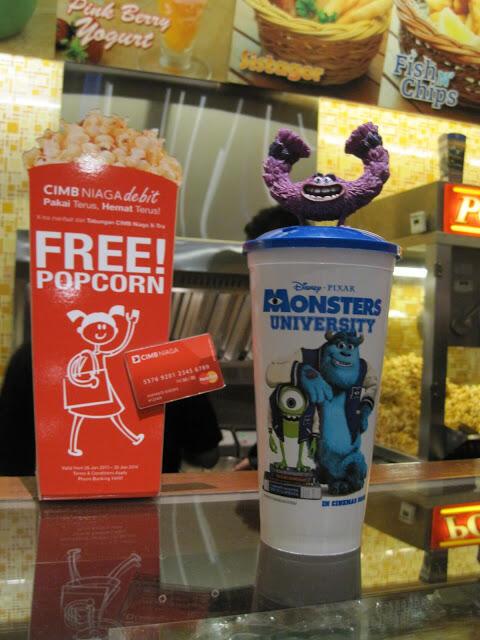 WTB Monsters University / Despicable Me 2 Cup + Topper dari XXI/Blitz megaplex