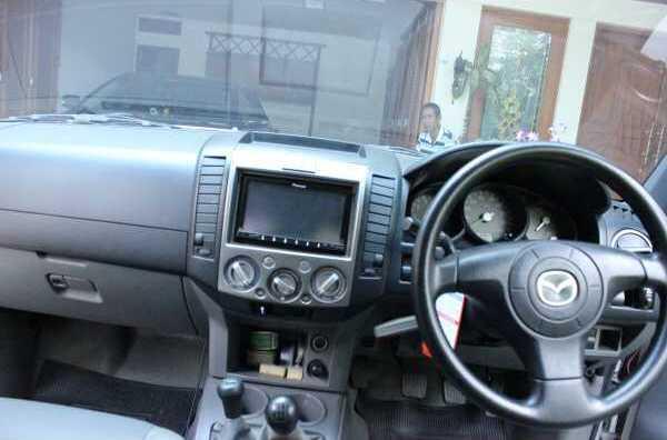 Mazda BT - 50 Edisi Pertama Tahun 2008 Mulus