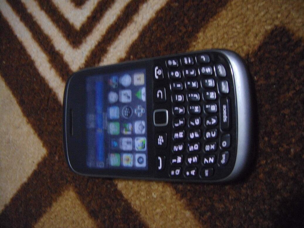 Jual Blackberry 9320 AMSTRONG Kondisi Mulus Fullset gan, Masuk sini