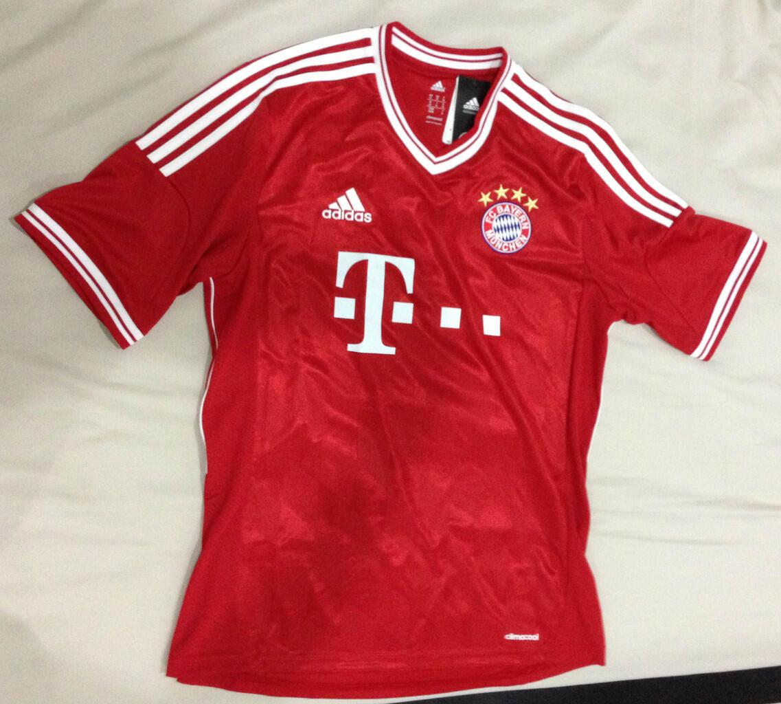 WTS: Jersy Bayern Munchen ORIGINAL-NEW- TAG MASIH NEMPEL