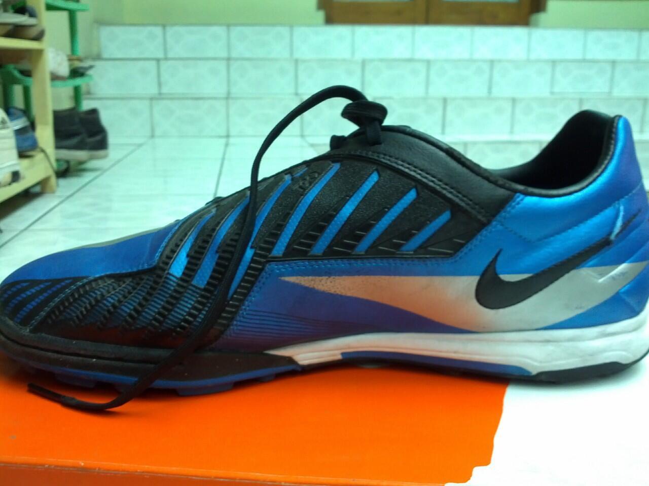 jual sepatu nike T90 barang kondisi mantapzz (second baru d pake beberapa kali)
