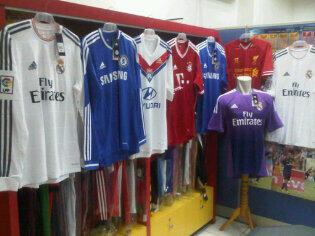 21 Football & Futsal Shop   Jersey,sepatu bola,futsal,bola,merchandise,nameset DLL