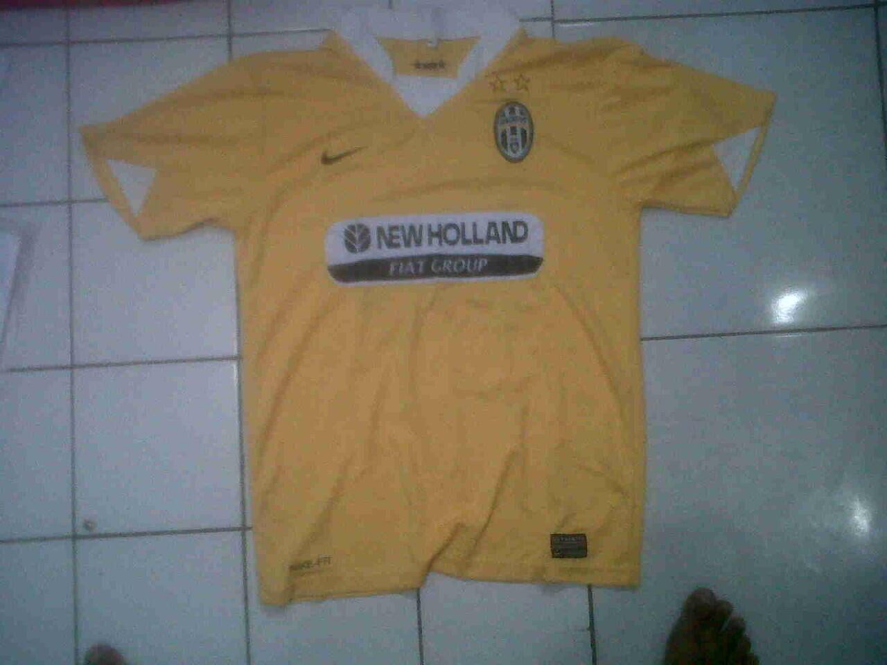 Jersey Lawas Juventus
