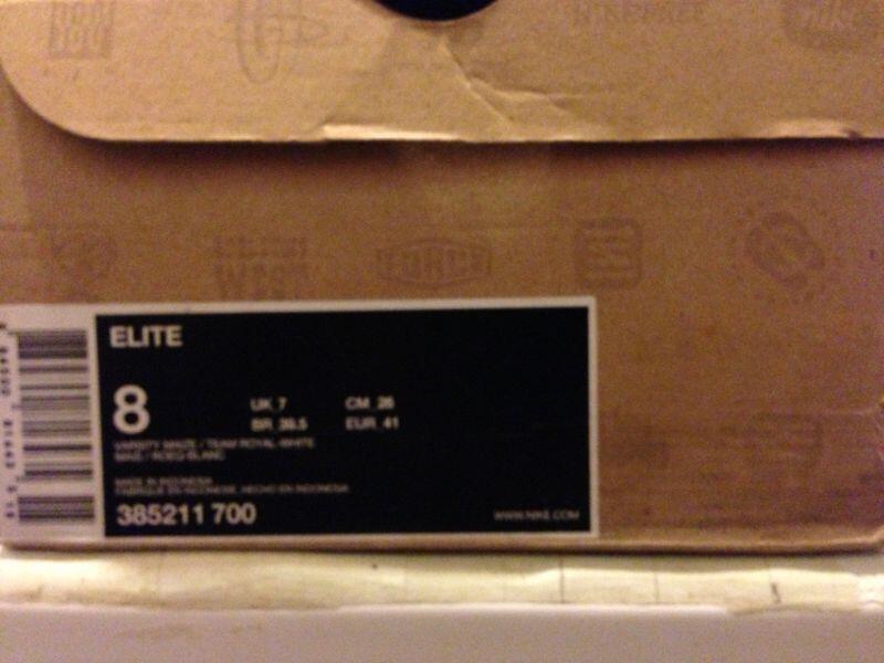 FS : NIKE ELITE size 8