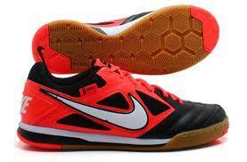 Nike Gato Red-black 42,5 like new ( RARE ) TT adidas nitrocharge blue