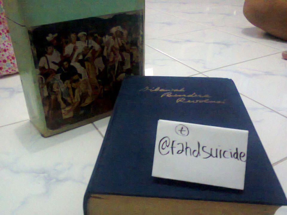 "Buku ""Dibawah Bendera Revolusi"" Jilid Pertama 1964"